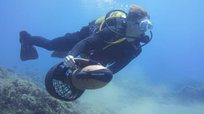 buceo con scooter