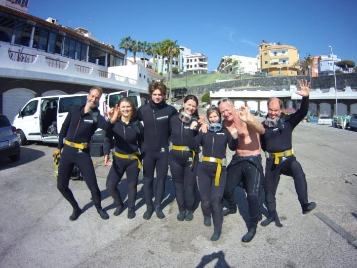 Grupo de buceadores