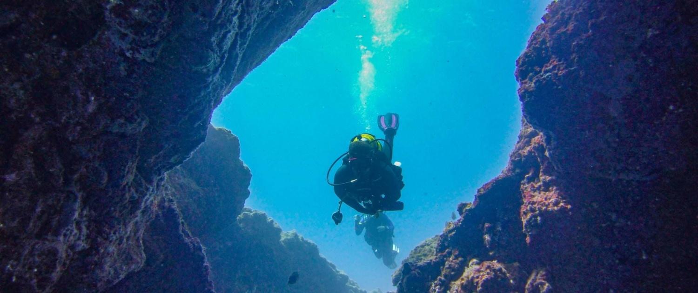 Inmersión en montaña amarilla